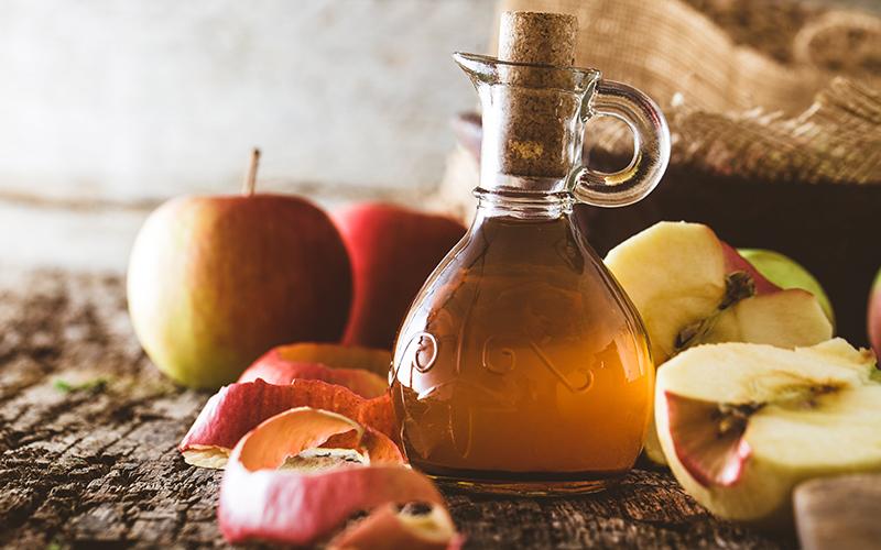Artık Meyve ve Sebze Kabukları Nasıl Kullanılır? - Elma Kabuğu ve Çekirdekleriyle Elma Sirkesi
