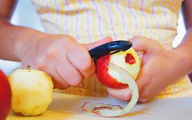 Artık Meyve ve Sebze Kabukları Nasıl Kullanılır? - Elma Kabuğundan Kış Çayı