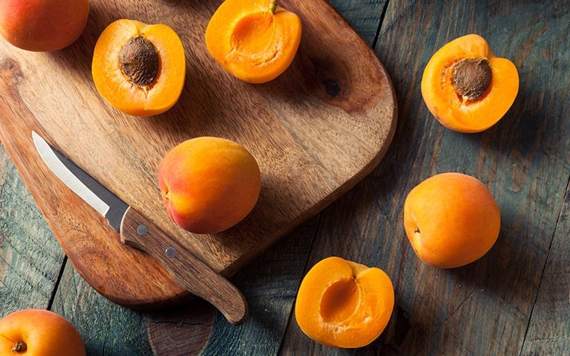 Artık Meyve ve Sebze Kabukları Nasıl Kullanılır? - Meyve Çekirdeklerinden Doğaya Bağış