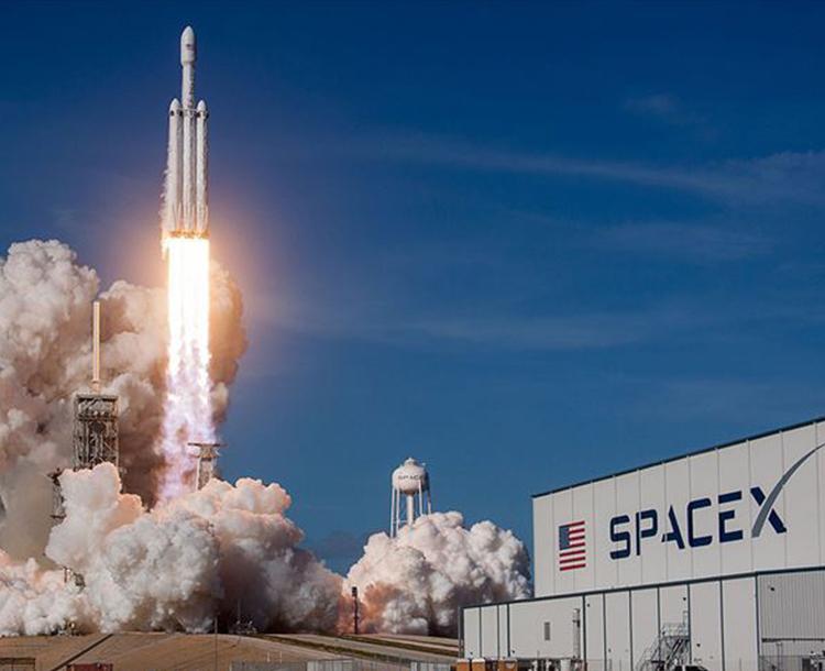 SpaceX Tarafından Gerçekleştirilen Uzay Yolculuğunun Arkasındaki Gerçekler