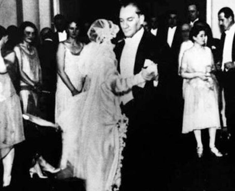 Atatürk'ün En Sevdiği Dans Vals