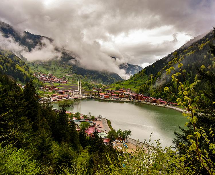 Trabzon'un Benzersiz Doğasına ve Tarihine Doğru Yola Çıkın